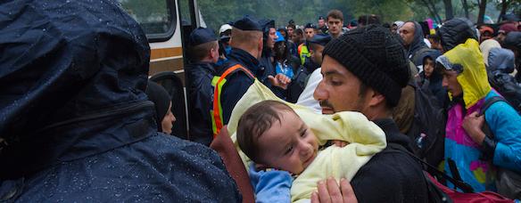Refugiados llegando a Europa. Fuente: ACNUR